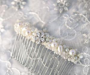 Діадема гребінь шпилька з перлами і кристалами