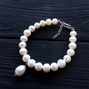 Браслети з перлами Браслет з натуральних білих перлів високого класу