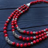 Ожерелье трехрядной из натуральных кораллов длинные