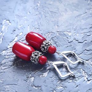 Красные серьги Серьги с натуральными кораллами и серебряными