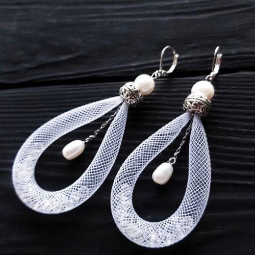 Сережки з натуральними перлами і срібними застібками