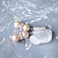 Серьги с натуральным круглым жемчугом и кристаллами
