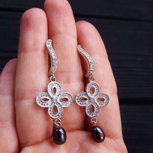 Серьги с жемчугом Серьги с натуральным черным или белым жемчугом и кристаллами