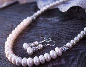Комплект з натуральних перлів святковий подарунок жінці