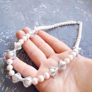 Намисто з перлами  Стильне намисто з натуральних перлів з вставками інкрустованими
