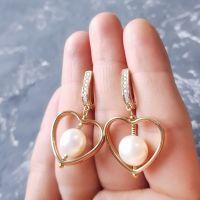 Сережки з натуральними перлами та позолоченими застібками