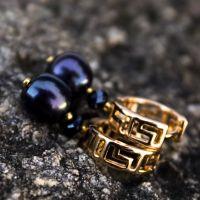 """Сережки з натуральними рідкісними чорними перлами в позолоті """"Пантера"""""""