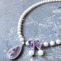 Комплект  з натуральних перлів кольє та сережки з цирконами