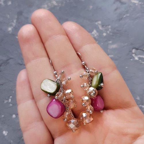 Серьги с натуральным перламутром и кристаллами