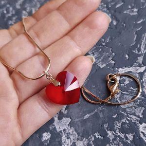 Красный кулон Кулон на цепочке с кристаллом Swarovski  сердце в позолоте