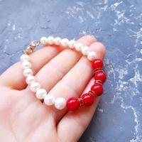 Браслет з натуральними перлами та коралами
