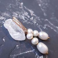 Позолочені сережки з натуральними перлами англійський замок