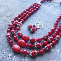 Комплект намисто та сережки з червоними коралами