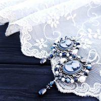 Сережки с камеей, жемчугом и серебряными застежками