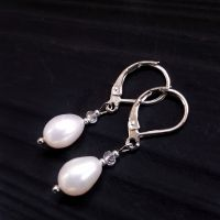 Серебряные серьги с белым жемчугом высокого класа