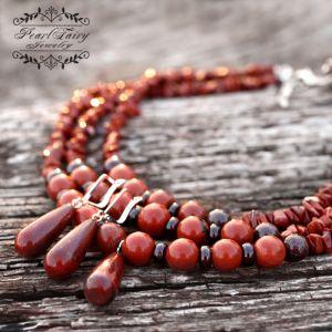 Ожерелье из натуральной яшмы и граната и серебряные серьги