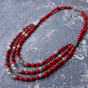Ожерелье ручной работы Колье трехрядное с натуральным кораллом и гематитом