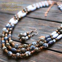 Ожерелье из натуральных камней лабрадорит и кварц