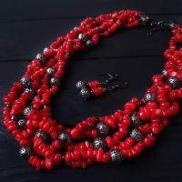 Комплект натуральные кораллы ожерелье пятирядное и серьги
