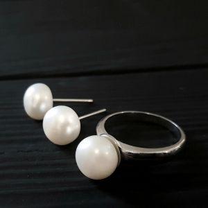 Комплект срібних прикрас з натуральними білими перлами
