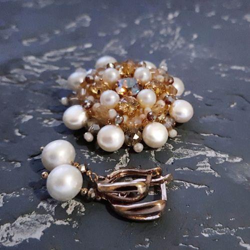 Комплект брошь и серьги с натуральным жемчугом и кристаллами