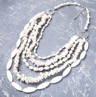 Пишне намисто з натуральних перлів та баламутів