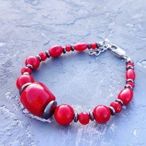 Червоний браслет Браслет з натуральних коралів та гематиту червоний