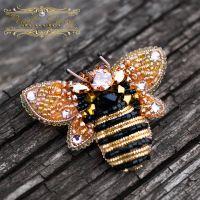 Брошь с кристаллами Swarovski пчелка