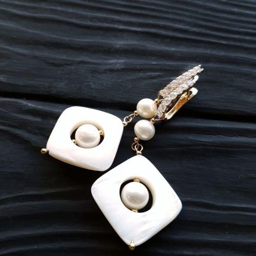 Сережки з натуральними перлами у позолоті - зображення 1