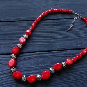 Ожерелье из коралла Ожерелье из натуральных кораллов с виноградом