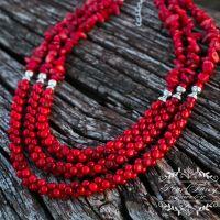 Ожерелье из натуральных кораллов трехрядное