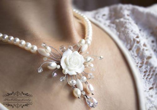 Свадебное колье натуральный жемчуг и кристаллы - изображение 1