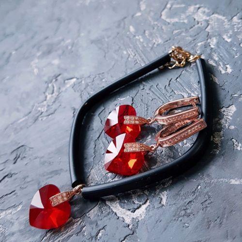 Комплект с кристаллами Swarovski  сердце красное
