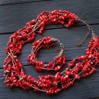 Комплект из натуральных кораллов ожерелье и браслет