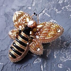 Brooches Брошка розшита кристалами Swarovski і стразами бджілка