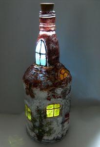 Бутылка-светильник Зимний домик