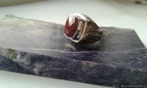 Rings Срібний перстень з природним рубіном
