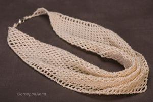 Горуппа Анна Колье-косынка цвета слоновой кости