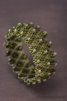 Рельєфний браслет золотисто-зелений