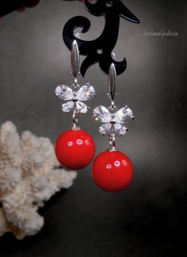 Серебряные серьги с красными жемчужинами