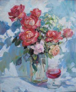 Храмова Надежда Розы и бокал вина