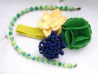 Стильная повязка из фетра и ожерелье для девочки