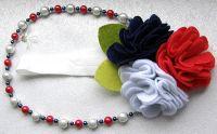 Повязка из фетра в классических тонах и ожерелье для девочки