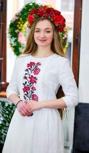 Вышиванки ручной работы Платье белого цвета с вышивкой красно черные цветы