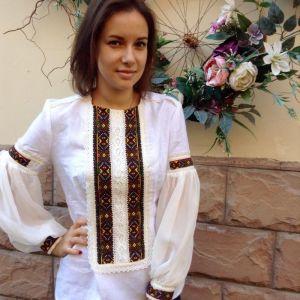 Жіночі вишиті сорочки Сорочка з білого льону з  ручною вишивкою низинкою
