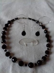 Комплекты Комплект: Ожерелье и серьги из черного агата.