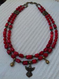 Ожерелье на два ряда из красного коралла и подвеска Ангел