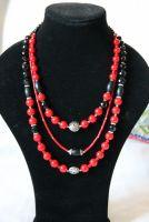 """Ожерелье из красного коралла """"Красное-черное"""""""