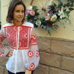 Модная женская одежда Рубашка из белого льна вышивка низинкой красными нитками