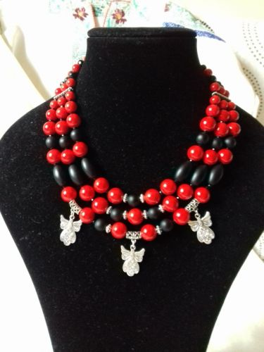 Комплект Сережки і Намисто червоно-чорне на 3 низки з трьома підвісками